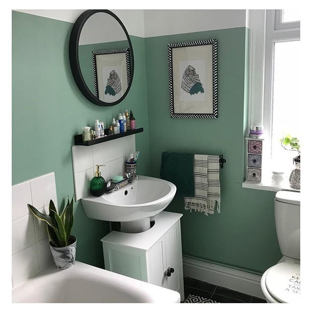 Lets Colour Magazine Reader Sakina Mylondoncocoon Gave Her Rental Bathroom A Fresh New Makeover I Love Green And Want In 2020 Green Bathroom Tuscan Decorating Dulux