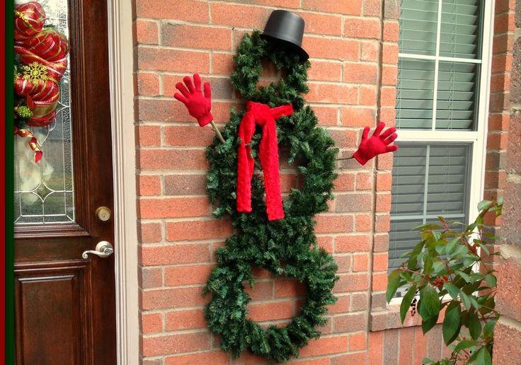 Snowman Wreath Outdoor Christmas Decoration