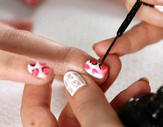 WATCH: How to Get Leopard PrintNails