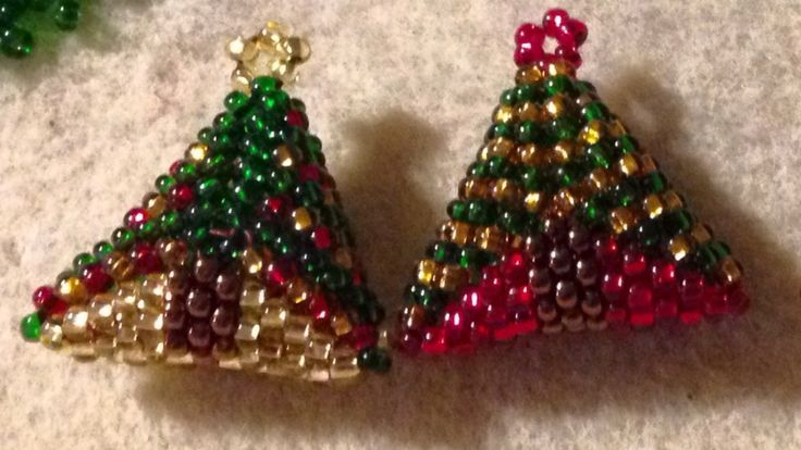 3D triangle. Christmas tree decorations. Seed beads size 11.