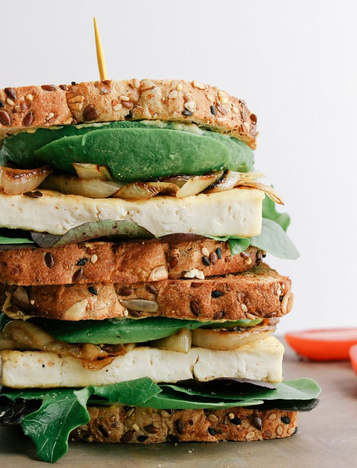 avocado-tofu sandwich + carmelized onions
