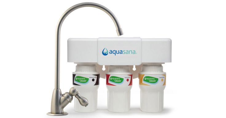 Aquasana's AQ-5300.  A noticeable improvement in taste over our double housing no-name filter.