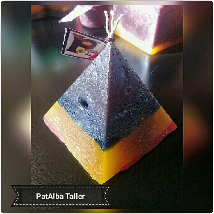 Velas rústicas aromáticas  #patalbataller #diseñoindependiente #diseñodeautor #emprendedora #artesana #velas #luz #energías #hechoconcariño