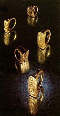 Anillos de oro de TUTANKAMON. Parte del tesoro.