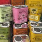 Värikkäät purkit #maustettu #oliiviöljy #alolivier  #oliveoil #food #cooking  #kitchen #salads #ruuanlaitto #salaatit #kastikkeet #dressings #colours  #mokomarket