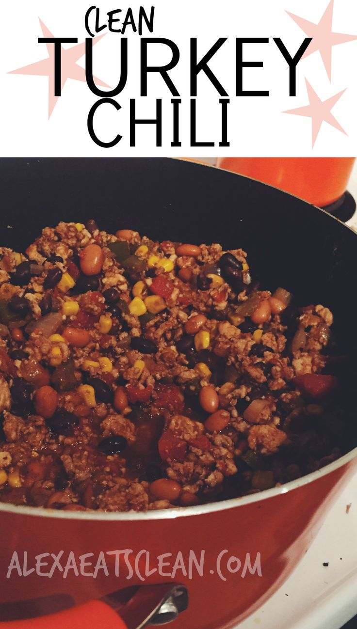 [CLEAN TURKEY CHILI] This is such a simple but really flavorful recipe, that you can make on the stove or in the crockpot! Its also 21 Day Fix approved! #cleaneating #weightlossjourney