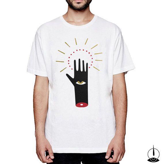 La Mano del Vecchio Arès  T-Shirt serigrafata di Isoi su Etsy