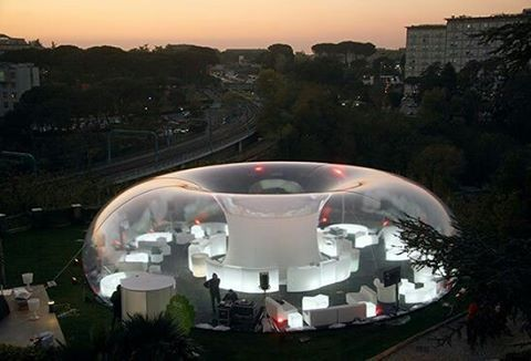 Plastique Fantastique creation of plastic pneumatic temporary structure #Berlin #architecture