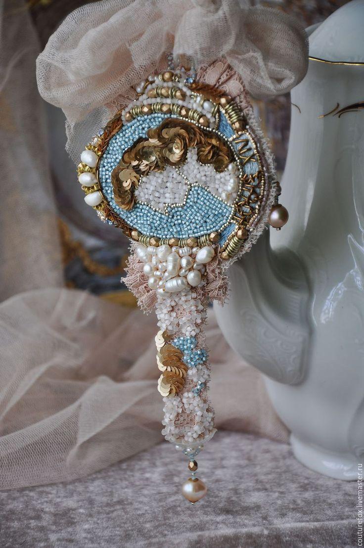 """Купить Браслет """"Luis XIV"""" - голубой с золотом, жемчужный, старинный браслет, Франция, вышитый браслет"""
