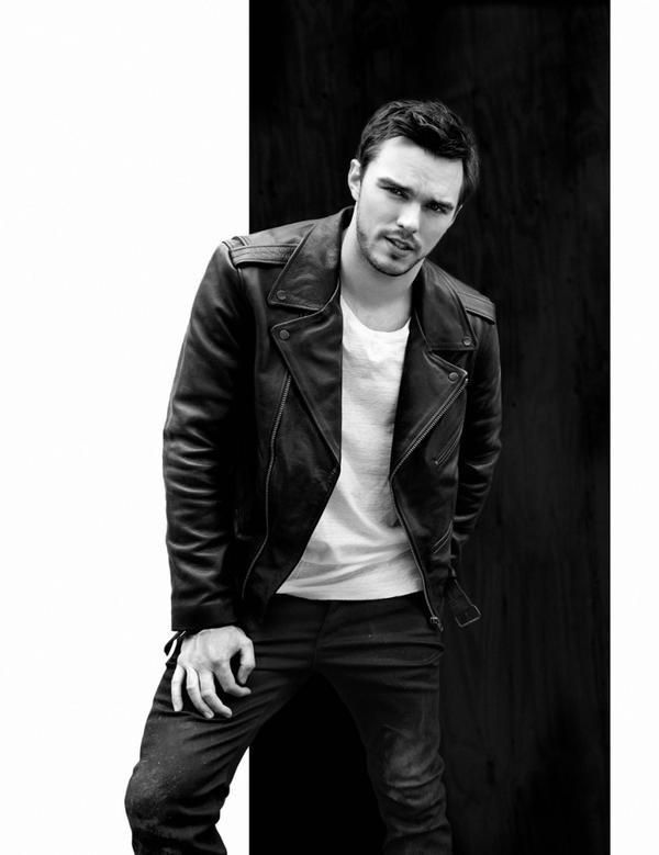 NEW PIC: Nicholas Hoult on Flaunt Magz Summer issue (1/6)