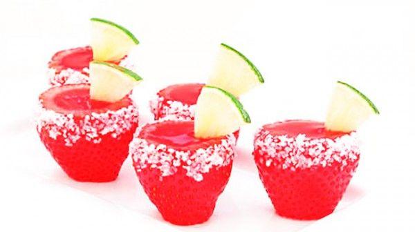 ¡Shots de gelatina sabor margarita de fresa!   Dime la Neta