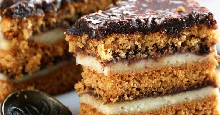 Ciasto - klasyk. Zakochałam się w nim jakieś 30 lat temu i nic tej miłości nie ubyło. Pyszne miodowe ciasto z jeszcze lepszym kremem wanilio...