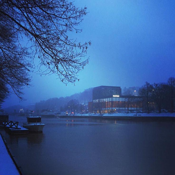 Marraskuinen Aurajoki on kaunis. Turku.
