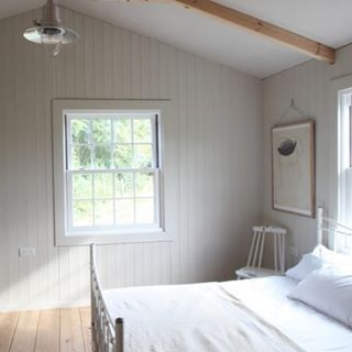 Often the simplest bedrooms are the most restful. See more of this soulful Yorkshire cabin by U.K. Artisan @edward_collinson on RM today. #RMbedrooms #rmsmallspace #cabinlife