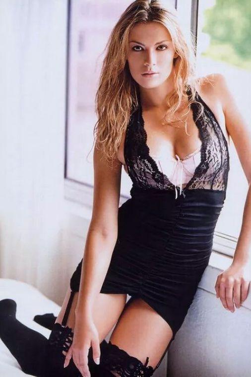 Stefanie van Leersum Nude Photos 63