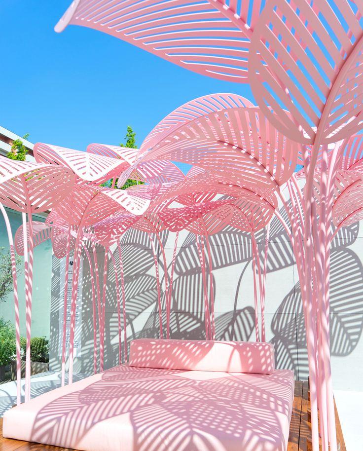 JOELIX.com | La Refuge by Marc Ange in Milan - pink daybed