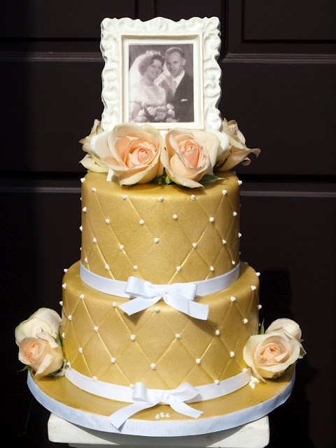 50th wedding cake images 121 best 50th wedding anniversary ideas images on 10440