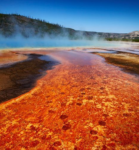 The Grand Prismatic Spring by Matt Munro. Amazing sights of Yellowstone Park -…