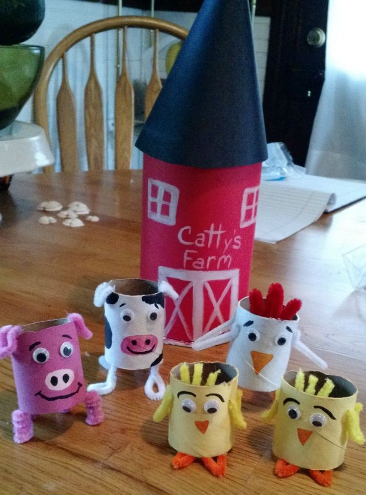 Your kiddos will love this DIY Toilet Paper Farm Animal Craft!