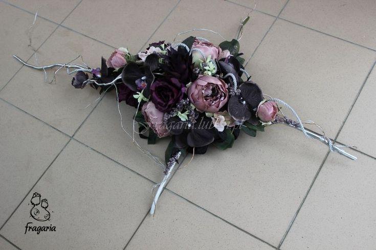 Nowa odsłona krzyża, tym razem szarość w połączeniu z brudnym, srebrzystym różem oraz srebrem.