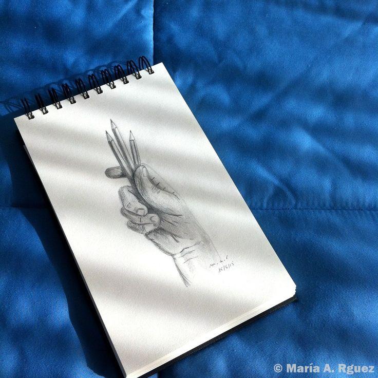 #Dibujo #Lápiz #ManoAlzada