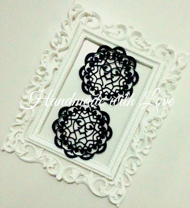 """2 1/2"""" (inches) Mini Hearts Gothic Paper Doilies by PaperCraftwithLove on Etsy"""