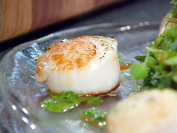 Pan-Seared Diver's Scallops with Roasted Red Pepper Paint and Basil Oil Recipe