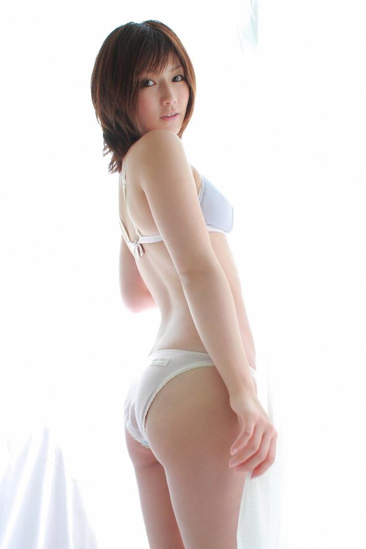Yuka Kyomoto | Hips #01(0001~1500) | Pinterest: http://pinterest.com/pin/445997169317679269/