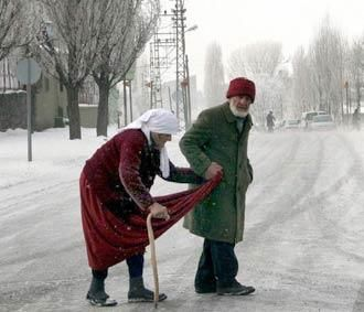 I will be by your side every step of the way...  God, bless this couple... if only we  ALL ♡♡♡could feel this kind of LOVE♡♡♡  VALENTINES DAY WOULD REALLY HAVE A BLESSED MEANING♡♡♡