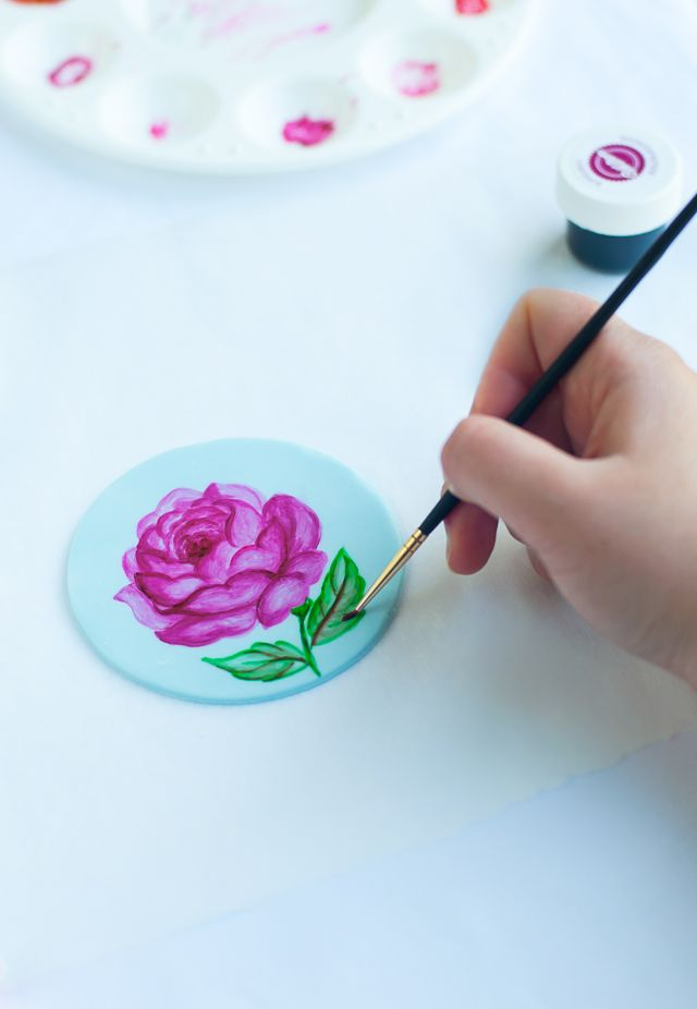 How to paint a rose on fondant by Lulu's Sweet Secrets