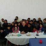 Mons. Urbanc visitó el desayunador Luz de Esperanza y la escuela San Jorge