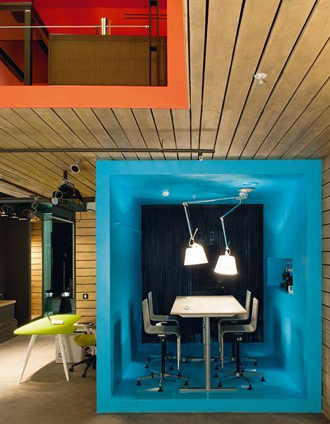 Les 25 meilleures id es de la cat gorie salles de r union sur pinterest conception de l 39 espace Idee amenagement studio solutions rusees