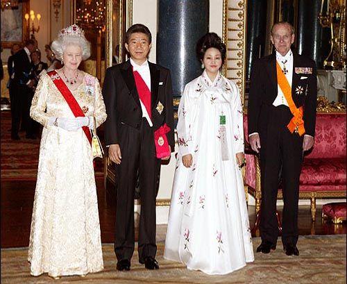 조중동이 감춘 고 노무현 대통령님 영국여왕 초청 방문 사진[21]