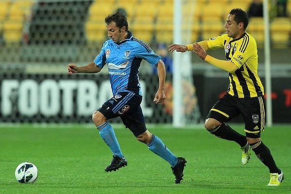 06 Oct 2012. Alessandro Del Piero of Sydney FC runs the ball under pressure from Leo Bertos of the Phoenix during the round one A-League match between the Wellington Phoenix. Photo: Getty/Hagen Hopkins