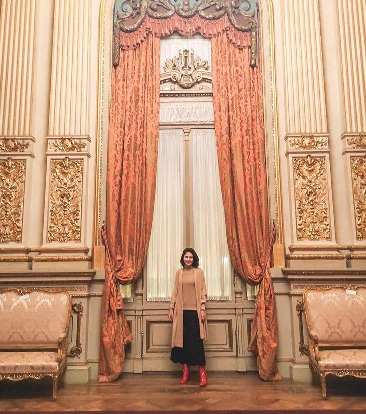 About Last Night noite encantada no Teatro Colon com a Orquestra de Câmara de Brandenburgo Meu look  Saia Calça @carolbassibrand Cashmere @shop2gether e bota vermelha  @lojapaulatorres