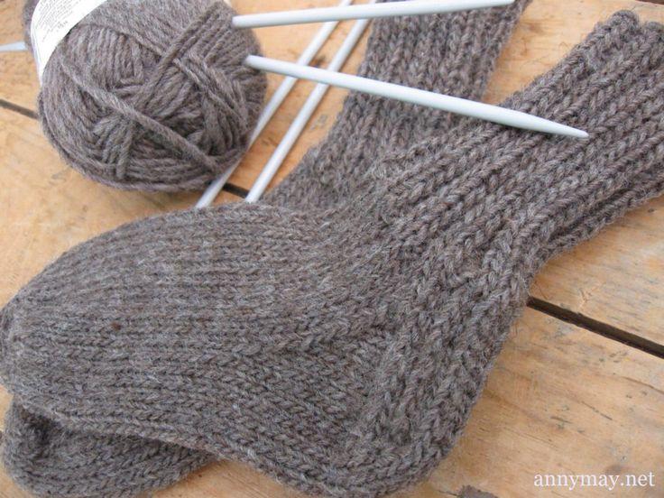 Padrão de meias de tricô para crianças