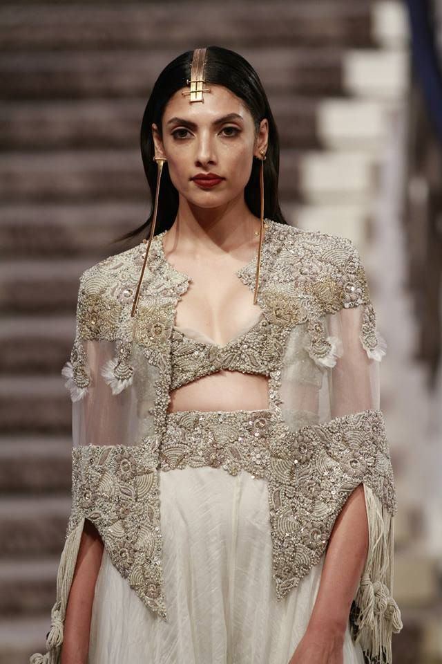 Anamika Khanna - Lakme Fashion Week Summer/Resort 2015                                                                                                                                                     Plus