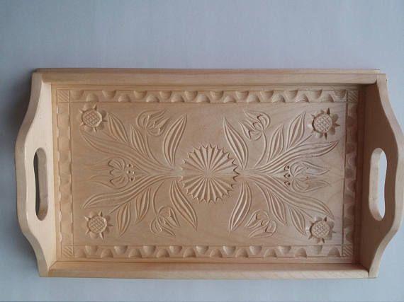 Nueva bandeja de madera tallada a mano pequeño de arce natural, bandeja, placa decorativa, decoración del hogar, que sirve el plato, bandeja única, regalo para mujer, niñas, rústico
