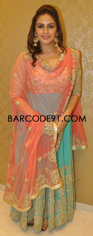 http://www.barcode91.com/ Huma Qureshi in a SUV Sonam & Paras Modi Anarkali dress for the launch of Camouflage