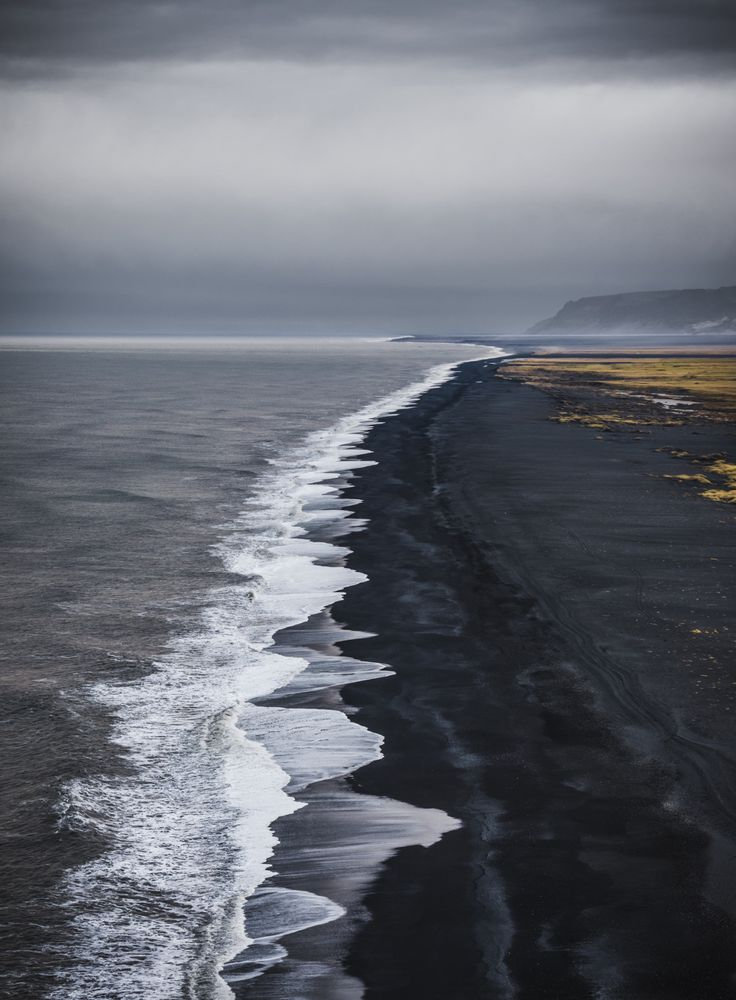 el-mo-fo-to:   the long view | dyrhólaey, iceland by @lmontezemolo