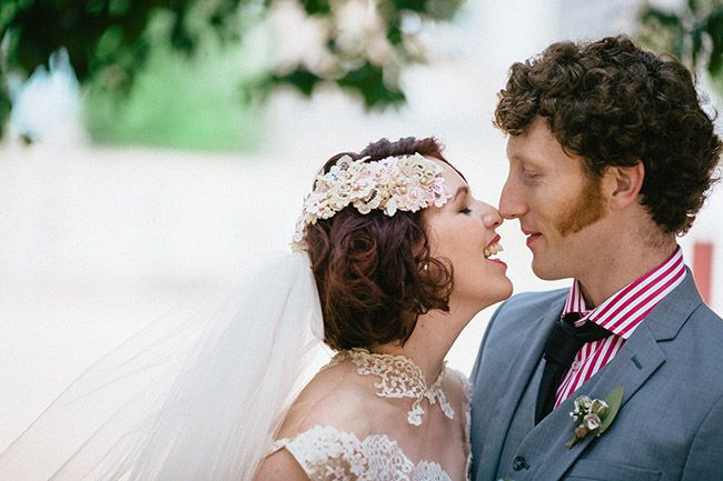 Vintage Bride ~ Jacinta & Jacks Shotgun-Chic Vintage Wedding ~ Thomas Stewart Photography ~ #vintagebride #vintageaccessories #bridalinspiration