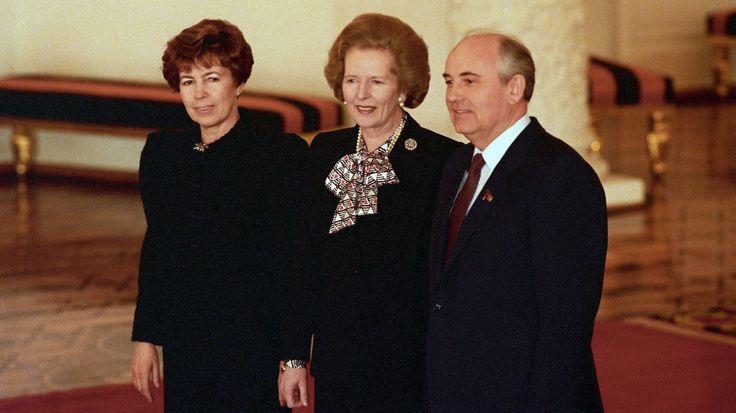 Чета Горбачёвых с премьер-министром Великобритании Маргарет Тэтчер в Большом Кремлёвском дворце, март 1987 года.