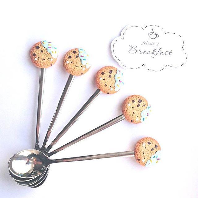 Ещё один вариант печенек с мордашками ☺️ Как и обещала в Stories - ровно в 13:00. Люблю пунктуальность⏳ Не до занудства, конечно, но уважаю людей за это качество😊. #mollisartis_вналичии 5 штучек, по 500₽  #mollisartis_ложки