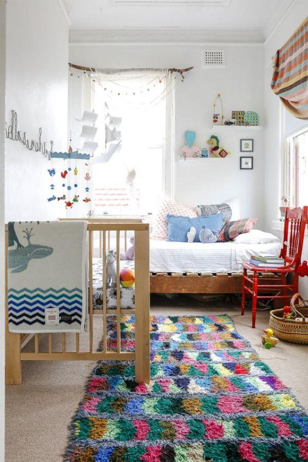 alfombras coloridas para dormitorios infantiles. tapis marocaine boucherouite