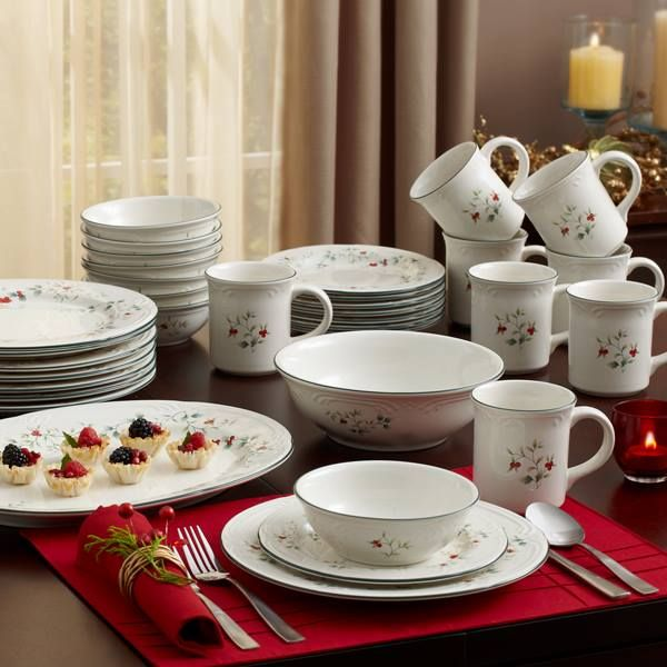 My fav Pfaltzgraff pattern Winterberry & 10 best Winterberry Dishes images on Pinterest | Xmas Christmas ...