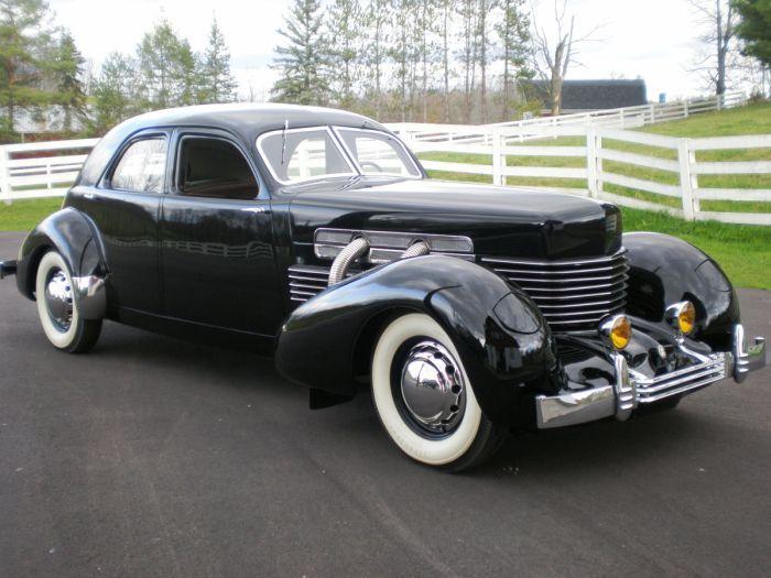 1937 Cord 812 Custom Berline