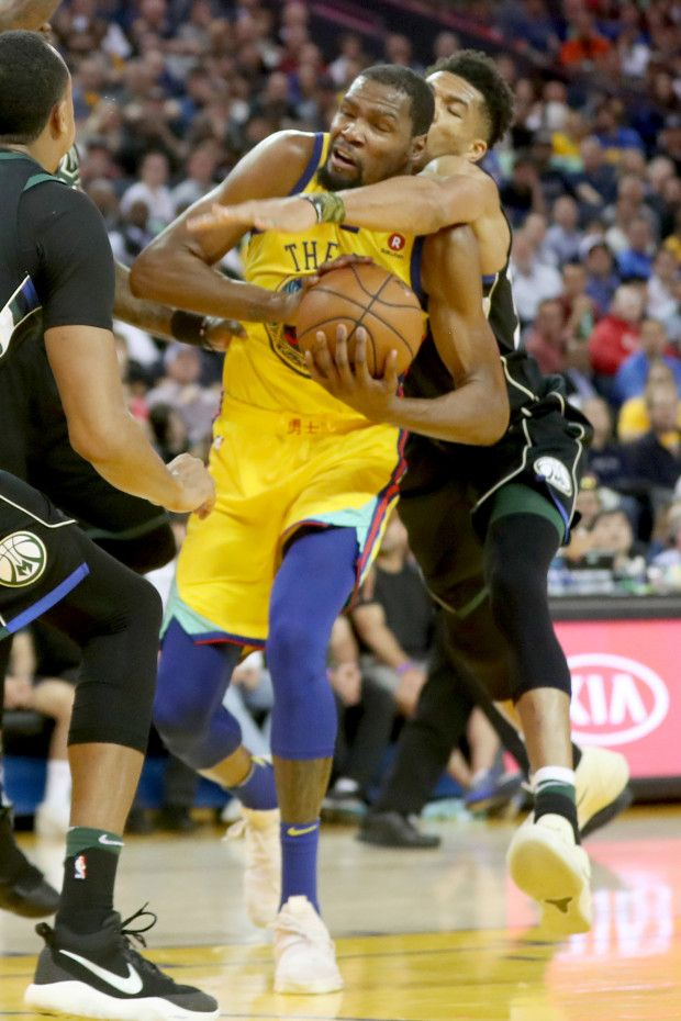 Golden State Warriors  Kevin Durant (35) drives to hoop Milwaukee Bucks   Giannis 9d29f22f2