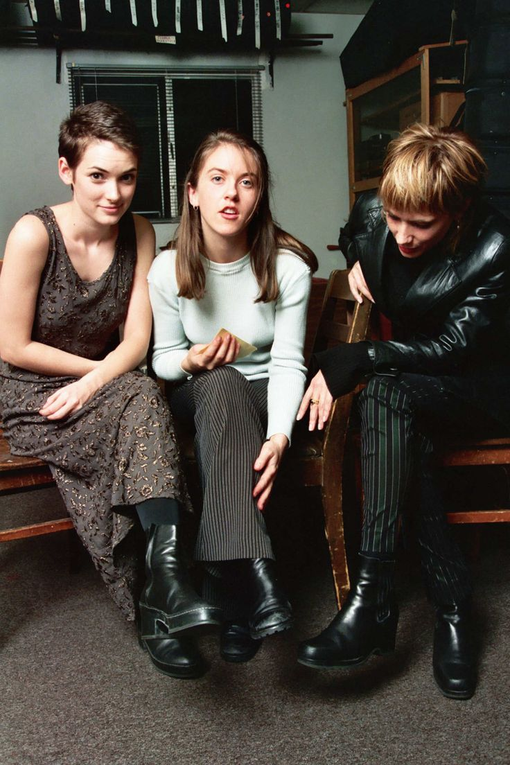 winona, liz phair and rosanna arquette. how 90s is this photo?