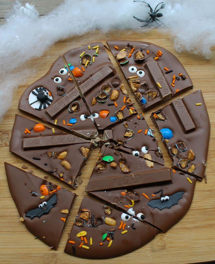 Une tablette de chocolat géante à déguster et à partager pour Halloween.