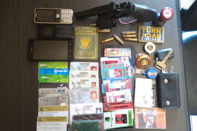 Polisi Amankan 3 Orang yang Mengaku dari Divisi Hukum Mabes Polri untuk Peras Distributor Pupuk Bersubsidi